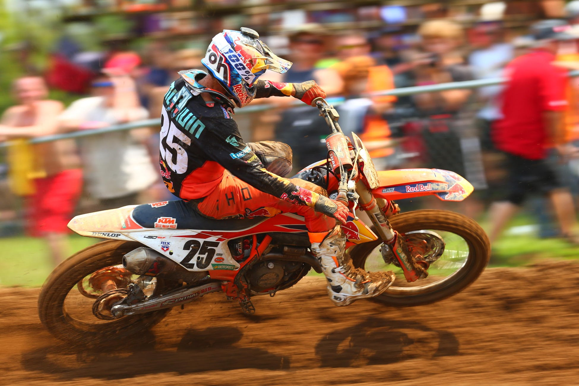 Musquin bounced back from a tough Moto 1 to take an impressive Moto 2 win.